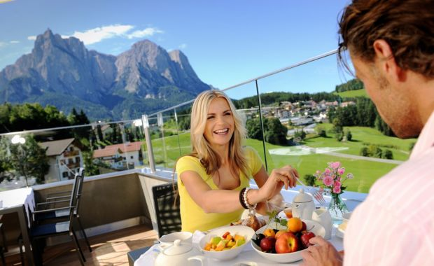 Holiday in the South Tyrolean Dolomites at Hotel Alpenflora