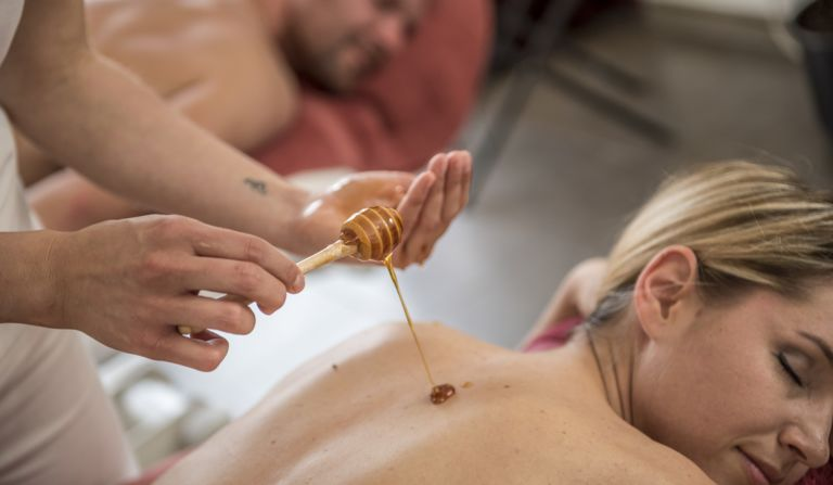 Soothing honey massages at Hotel Alpenflora in Castelrotto